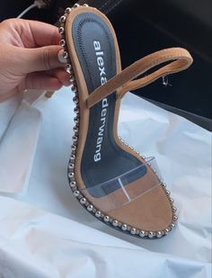Sneaker Heels, Shoes Sneakers, Shoes Heels, Pretty Shoes, Beautiful Shoes, Fashion Heels, Look Fashion, Fresh Shoes, Cute Heels