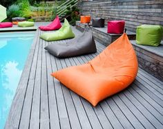 Poufs Easy for life de Jardin Privé Beach Furniture, Outdoor Furniture Design, Backyard Furniture, Puff Exterior, Barn Pool, Sunrise Home, Surf Room, Bean Bag Sofa, Patterned Chair