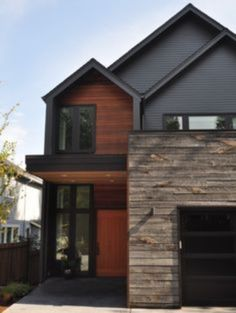 Excellent Architecture From The Best House Exterior Design Ideas : Stunning House Exterior Design Wooden Siding Wooden Ceiling Lighting Fixtures Wooden Gate - Decor Home Cedar Siding, Exterior Siding, Exterior House Colors, Exterior Paint, Exterior Design, Grey Siding, Stone Cladding Exterior, Rock Siding, Steel Siding