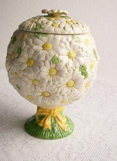Metlox Sculptured Daisy Cookie Jar