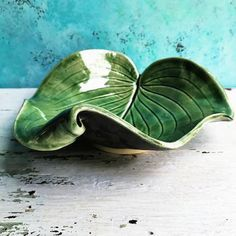 Leaf bowl single curled leaf