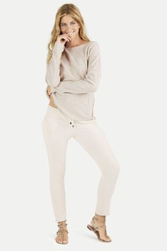 Juvia Damen Jogginghose Naturweiss | SAILERstyle Loungewear, White Jeans, Pants, Fashion, Sweat Pants, Trousers, Cotton, Nice Asses, Trouser Pants