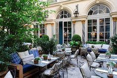 Patio at Ralph Lauren Restaurant, Paris barefootstyling.com