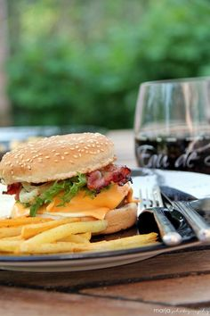 Nothing better than a homemade burger and fries.. Miss my dad's cooking :-(