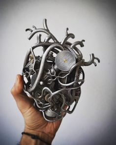 My handmade mechanical heart ...in progress...trash art... #trashart #wireart #wire #metalsheet #humanheart #teodosio #greece #greekart #teodosiosectioaurea  #trash #metalart #ironart #steel #metal #iron