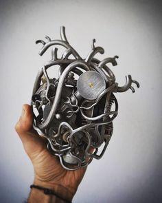 My handmade mechanical heart ...in progress...trash art... #trashart #wireart #wire #metalsheet #humanheart #teodosio #greece #greekart #teodosiosectioaurea  #trash #metalart #ironart #steel #metal #iron