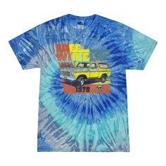 Ford Free Wheelin 1978 Bronco Classic Rasta Cars and Trucks Tie-Dye T-Shirt, Small / Blue Jerry 1978 Ford Bronco, 70s Cars, Car Themes, Novelty Shirts, Tie Dye T Shirts, 70s Fashion, Bobby, Planes, Trains