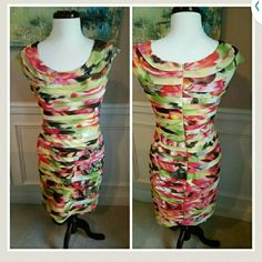 Adrianna Papell Dress Beautiful multicolor shutter pleat style dress. Perfect for so many occasions! Adrianna Papell Dresses