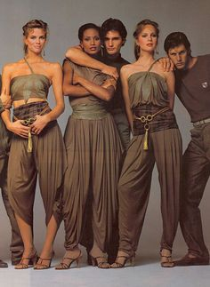 EARLY 1980S GIANNI VERSACE AD BY AVEDON (LISA TAYLOR, BEVERLY JOHNSON, ROSIE VELA, JEFF AQUILON, AND I FORGET HIS NAME)