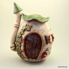 Dosen & Schachteln - Keramik Spardose / Wichtelhaus - ein Designerstück von kreativwerkstatt-fleury bei DaWanda