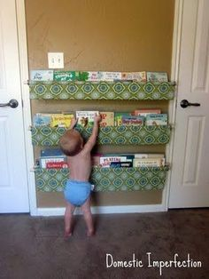 kids book storage slings there-s-no-place-like-home-diy-projects-and-ideas Easy Sewing Projects, Sewing Crafts, Diy Projects, Vinyl Storage, Book Storage, Book Shelves, Kids Storage, Freetime Activities, Book Sling