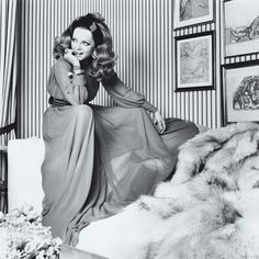 1968 issue of Vogue, Italian actress Virna Lisi poses in a ticking-upholstered interior via. 70s Fashion, Fashion Shoot, Vintage Fashion, Vintage Beauty, Daily Fashion, Fashion Rings, Vintage Style, Sophia Loren, Bff