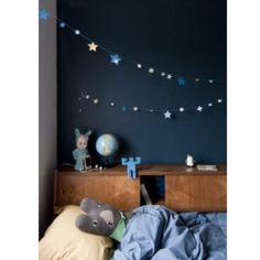 's Nachts lekker sterren kijken met deze glow-in-the-dark slinger van Engelpunt.
