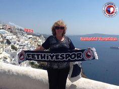 Fethiyespor Atkısı Komşuda...  Fotoğraf : Güler Alpman Yer: Santorini / Yunanistan