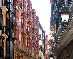 Casco viejo de Bilbao by esti-, via Flickr