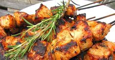 This rosemary ranch chicken recipe is so delicious, tender, and juicy the chicken will melt in your mouth. Chicken Kabob Recipes, Ranch Chicken Recipes, Chicken Kabobs, Grilling Recipes, Cooking Recipes, Healthy Recipes, Winner Winner Chicken Dinner, Grilled Meat, Grilled Veggies