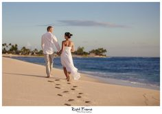 Four Tips For A Beautiful Beach Wedding. The soft sand, the bright sparkling water, and the sunset in the distance definitely make beaches one of the most romantic settings for a wedding. Sunset Beach Weddings, Hawaii Wedding, Destination Weddings, Hotel Sunset, Let Your Hair Down, Paradise Cove, Most Beautiful Beaches, Romantic Ideas, Plan Your Wedding