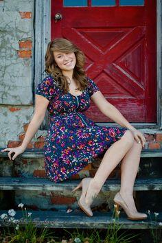 Senior Portrait / Photo / Picture Idea - Girls - Steps / Stairs