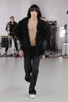Todd Lynn Pre-Fall 2015 Fashion Show