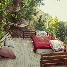 Beautiful 15 Fanciful Outdoor Bedroom Designs That Will Boost Your Imagination