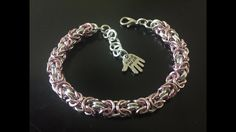 diy sieraden: Chainmaille Byzantine patroon /Chainmaille Byzantine weave - YouTube Chainmaille, Byzantine, Diy Jewelry, Weave, Diamond, Bracelets, Youtube, Silver, Fashion