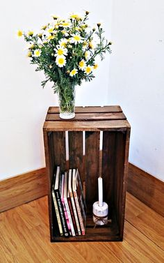 Diy home decor Crate Furniture, Plywood Furniture, Furniture Decor, Crate Decor, Summer Deco, Craftsman Bathroom, Creation Deco, Home Organization Hacks, Wood Crates