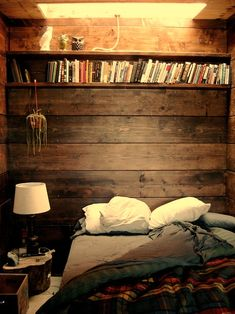 small spaces, sunshine, bed and book. <3