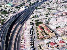 الدوحة - الراية:  قال تقرير شركة الأصمخ للمشاريع العقارية إن الجهات المعنية في الدولة نفذت خلال العام الحالي 2015 العديد من المشاريع المتعلقة في مجال المباني وتقدّر تكلفتها بـ4.2 مليار ريال ويفوق عددها الـ100 مشروع...