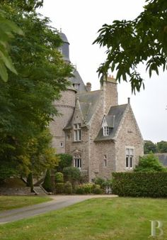 chateaux for sale France brittany 2980  - 2