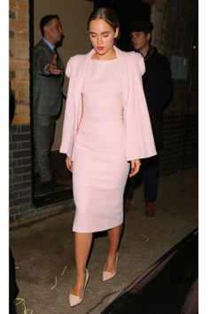 Suki Waterhouse shows how to make an all pink monochromatic outfit look chic and sophisticated.