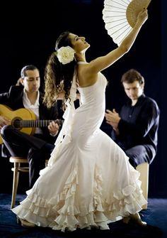 Robe de mariée inspiration flamenco