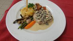 Pavé de Charolais sauce morilles #Beaujolais #LeChatard #Restaurant