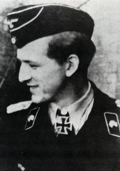 ✠ Clemens-Heinrich Graf von Kageneck (17 October 1913 – 18 March 2005) RK 04.08.1943 Hauptmann Kdr s.Pz.Abt 503 + [513. EL] 26.06.1944 Hauptmann Kdr s.Pz.Abt 503