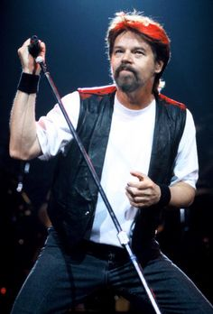bob seger  lyrics and voice!!!...THE BEST IN THE WORLD,YOURE STILL THE SAME BOB.....CHERIE