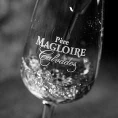 Никогда не экономь на здоровье и хорошем алкоголе. Хотя если разобраться это взаимосвязанные вещи. #peremagloire #пермаглуар #кальвадос