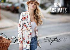 """STYLIST 24/7 """"<3 Wir haben Tag und Nacht und auch noch am Sonntag geöffnet! ;) Jeden Tag neue coole Fashion zum unverschämt günstigen Preis! Stylist24!"""