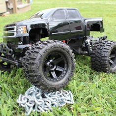 Traxxas Stampede- if I ever got a Stampede it would be like this with a different color body