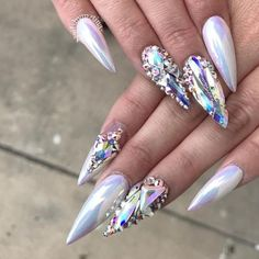 Unichrome Aurora Unicorn Chrome Nail Art AB Effect Glam Nails, Hot Nails, Fancy Nails, Ongles Bling Bling, Bling Nails, Rave Nails, Gorgeous Nails, Perfect Nails, Amazing Nails