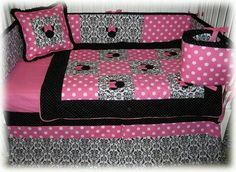 Mini mouse baby bed