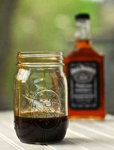 Jack Daniel's Tennessee Whiskey Glaze Recipe - Alternative to Barbecue Sauce Jack Daniels Glaze, Jack Daniels Sauce, Jack Daniels Burger Recipe, Jack Daniels Marinade, Jack Daniels Chicken, Grilling Recipes, Cooking Recipes, Grilling Ideas, Cooking 101