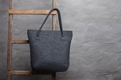 Merino wool felt bag dark grey oversized felt от FeltinLoveBags