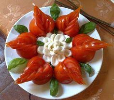 52 Ideas fruit salad decoration food art for 2019 Fruit And Vegetable Carving, Veggie Tray, Amazing Food Decoration, Fruit Salad Decoration, Food Carving, Food Garnishes, Garnishing, Food Platters, Food Crafts