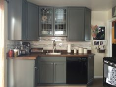 Sherwin Williams Dorian Gray Sw 7017 Makes This Kitchen
