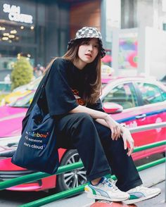 Look at this Gorgeous casual korean fashion Korean Fashion Trends, Korean Street Fashion, Korea Fashion, Fashion Week, Asian Fashion, Daily Fashion, Fashion 2020, Boyish Outfits, Outfits With Hats