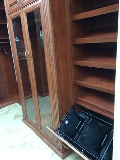 Closet Factory Showroom, Deerfield Beach, FL | Walkin Closet | Pinterest | Deerfield  Beach, Showroom And Vanity Tables