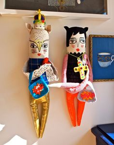 cant wait for my new art doll to arrive (mine is the one on the right! by JessQuinnSmallArt Handmade Toys, Handmade Art, Dolly Mixture, Book Crafts, Craft Books, Ugly Dolls, Monster Dolls, Felt Birds, Felting Tutorials