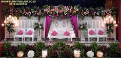 Dekorasi Pelaminan Ukir Sederhana Murah Simple Wedding Decorations, Simple Weddings, Table Decorations, Wedding Stage Backdrop, Galaxy Wallpaper, Backdrops, Booth Ideas, Furniture, Tips