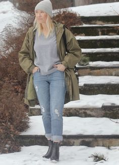Janet boyfriend jeans and jackie knit. Sara blogger from Finland