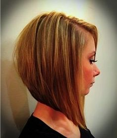 Comment on 15 Inverted Bob Hairstyle Pics by Sharon Cummings - Hairstyle Fix Inverted Bob Hairstyles, Bob Hairstyles For Fine Hair, Hairstyle Pics, Ponytail Hairstyles, Medium Hair Styles, Short Hair Styles, Baliage Hair, Bobs Blondes, Short Cuts