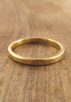 Melissa Joy Manning: Men's hammered wedding band - 2mm 18k